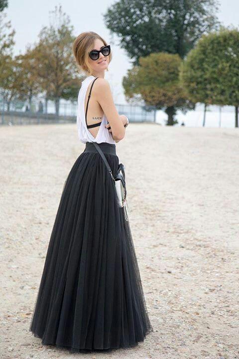 black long skirt and side boob white shirt #maxiskirt #longskirt