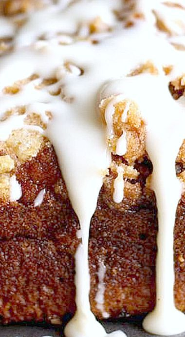 Pumpkin Bread with Streusel Topping