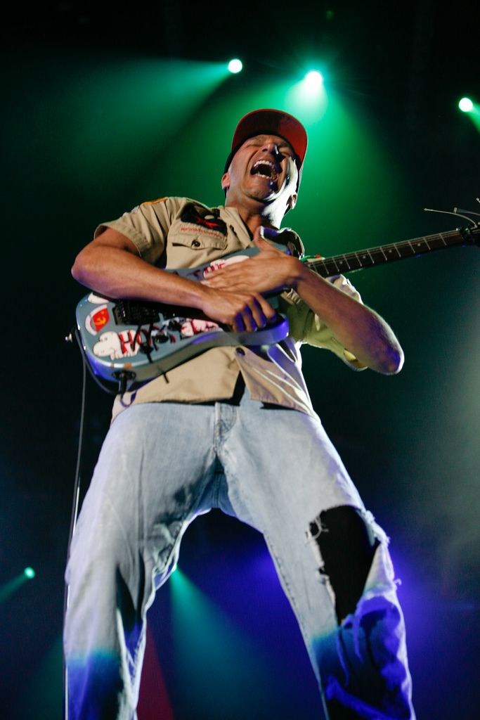 Tom Morello - Rage Against the Machine, Audioslave, The Nightwatchman, Bruce Springsteen and the E Street Band, Street Sweeper Social Club, Axis of Justice, NBA, Lock Up, Class of '99, Shandi's Addiction, Cypress Hill, Electric Sheep, Serj Tankian, Guitarmy, Travis Barker, RZA, Raekwon, Anti-Flag, Rise Against, John Fogerty, Calle 13, Linkin Park, LL Cool J