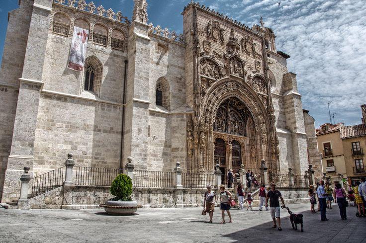 ONG persigue abrir las puertas de iglesias e instituciones para los refugiados en España