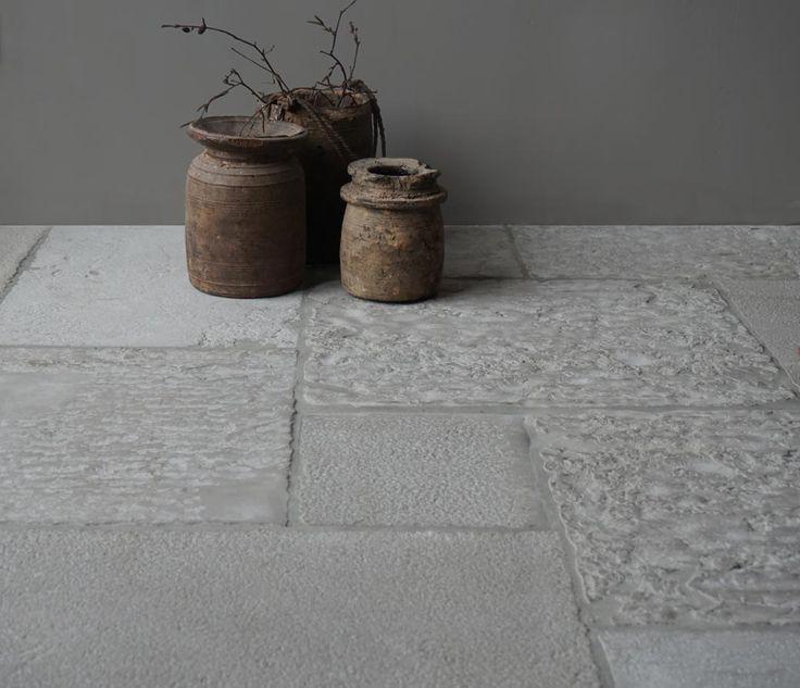 Raw Stones zoektocht naar nieuwe mogelijkheden voor authentieke unieke karakteristieke kasteel vloeren met beleving. Raw Stones search for new opportunities for authentic unique characteristic castle stones, floors with experience.