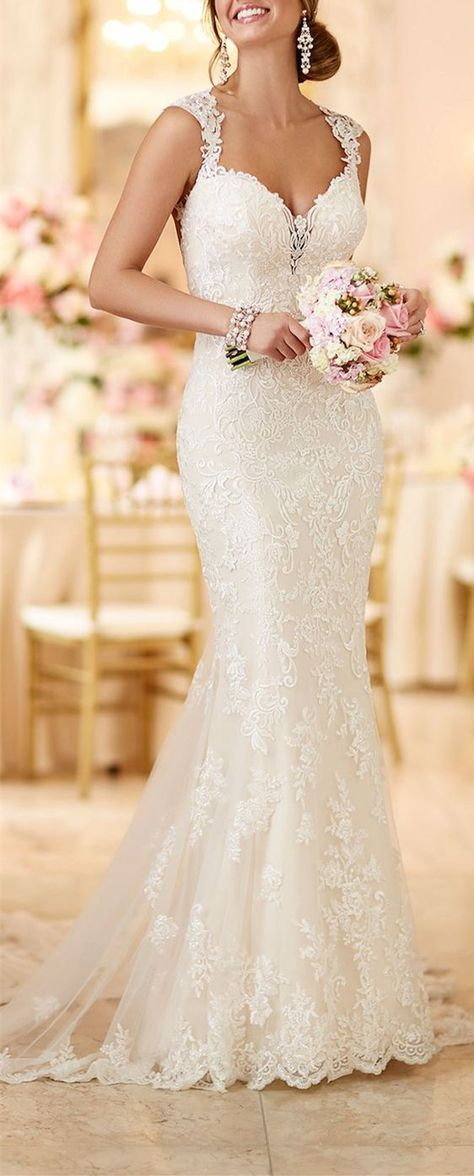 2017 Custom Lace wedding dress,Lace Straps And Appliques wedding dress