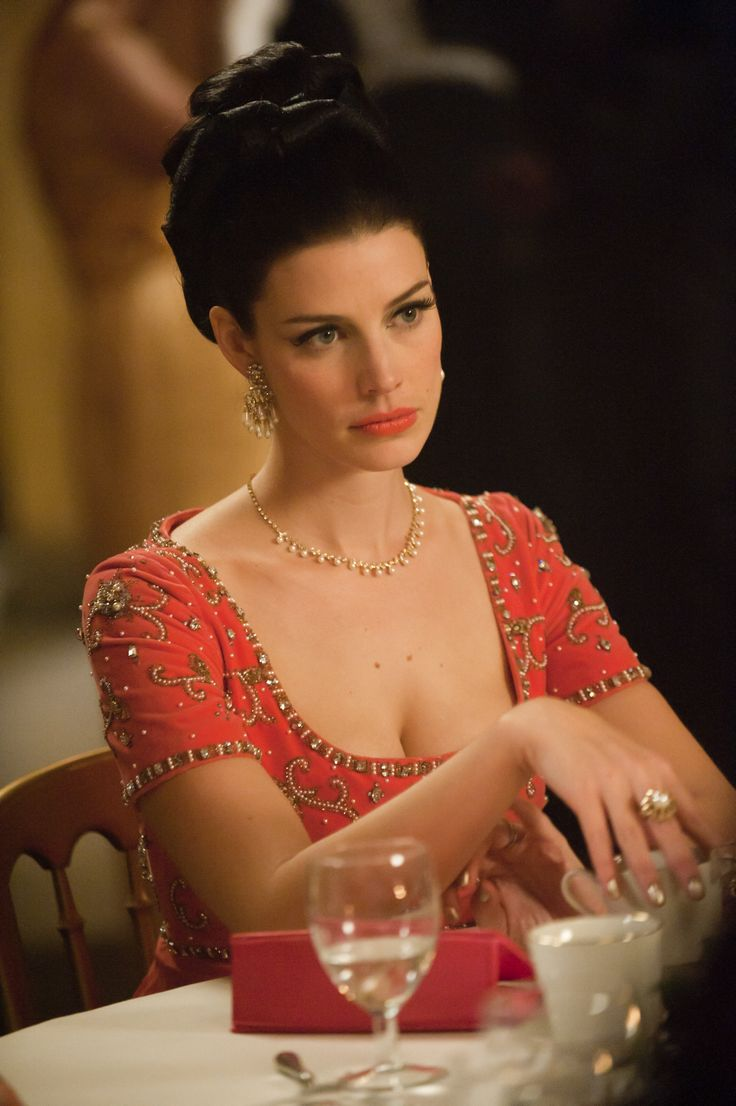 Jessica Pare as Megan Draper on Mad Men. Another Clear Bright Spring.... This would look awesome on me
