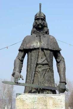 Vlad Tepes's statue in Targoviste