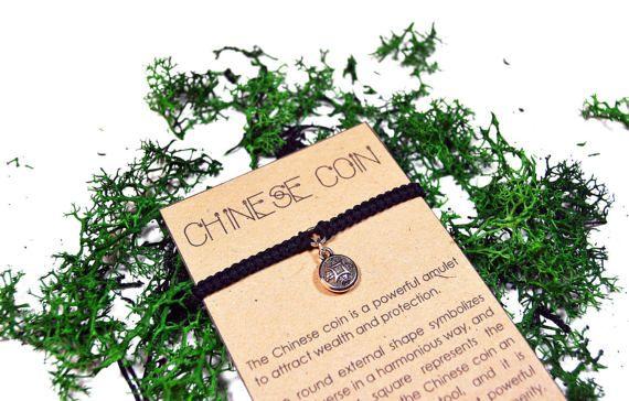 Pulsera de Moneda China. Pulsera hecha a mano de macrame.
