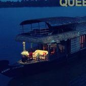 Queen Elizabeth 3 Bedroom Houseboat