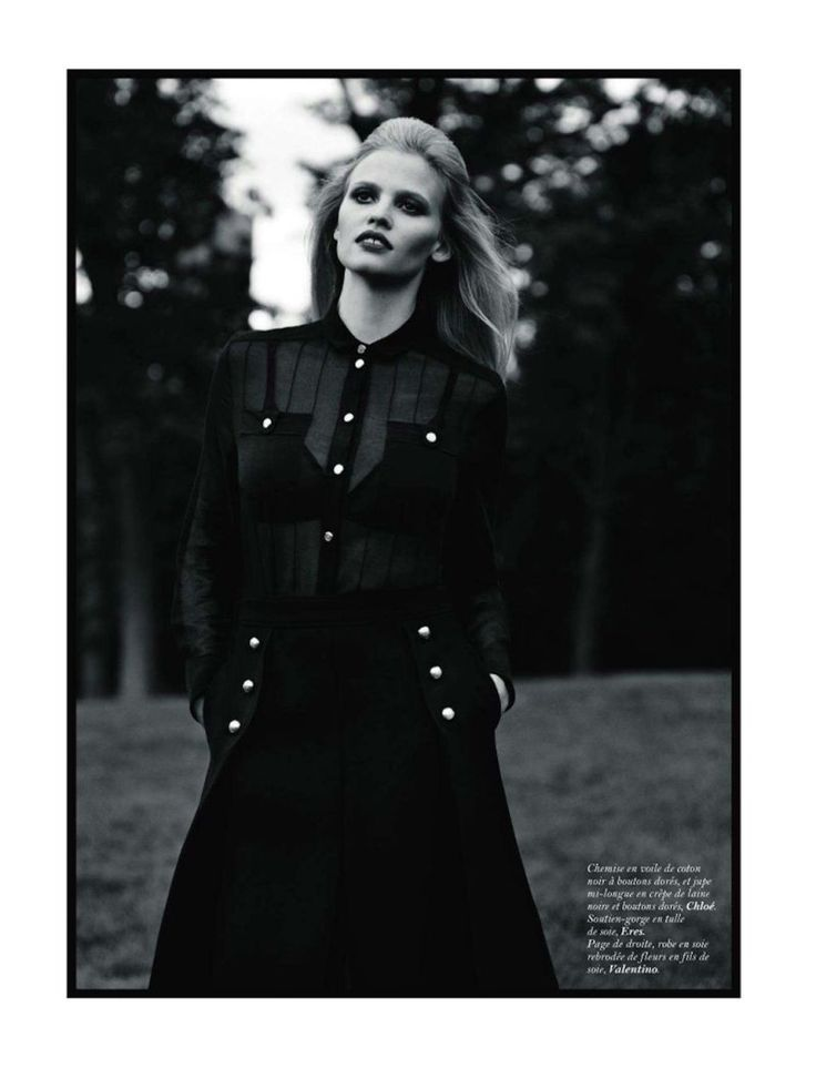 Lara in Central Park – Lara Stone is a demure diva in the November issue of Vogue Paris lensed by Alasdair McLellan. Outfitted by Suzanne Koller, Lara wows with red lips and soft curls in seventies inspired looks from the likes of Louis Vuitton, Marni, Valentino and Oscar de la Renta. @Melanie Clark