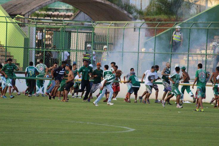 A #Match In #Brazil Devolved Into A Violent #Game Of Tug-Of-War. #soccermatch #soccerfights #soccerfans #fans #fights #tugofwar