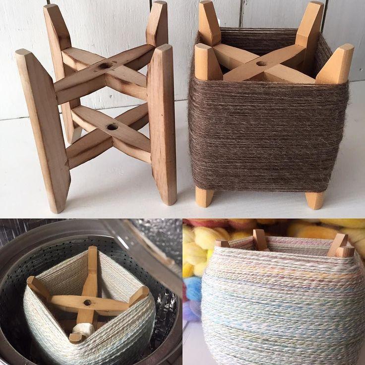 This is Kiwaku (木枠) one of the Japanese handwoven tool. I wind a handspun ya…