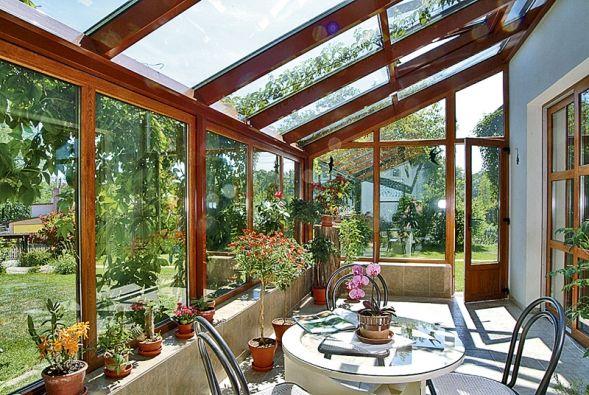 Čirá skla Sunenergy zamezují vyššímu průniku tepla do interiéru a přitom propouštějí světlo jako standardní skla (DAFE).