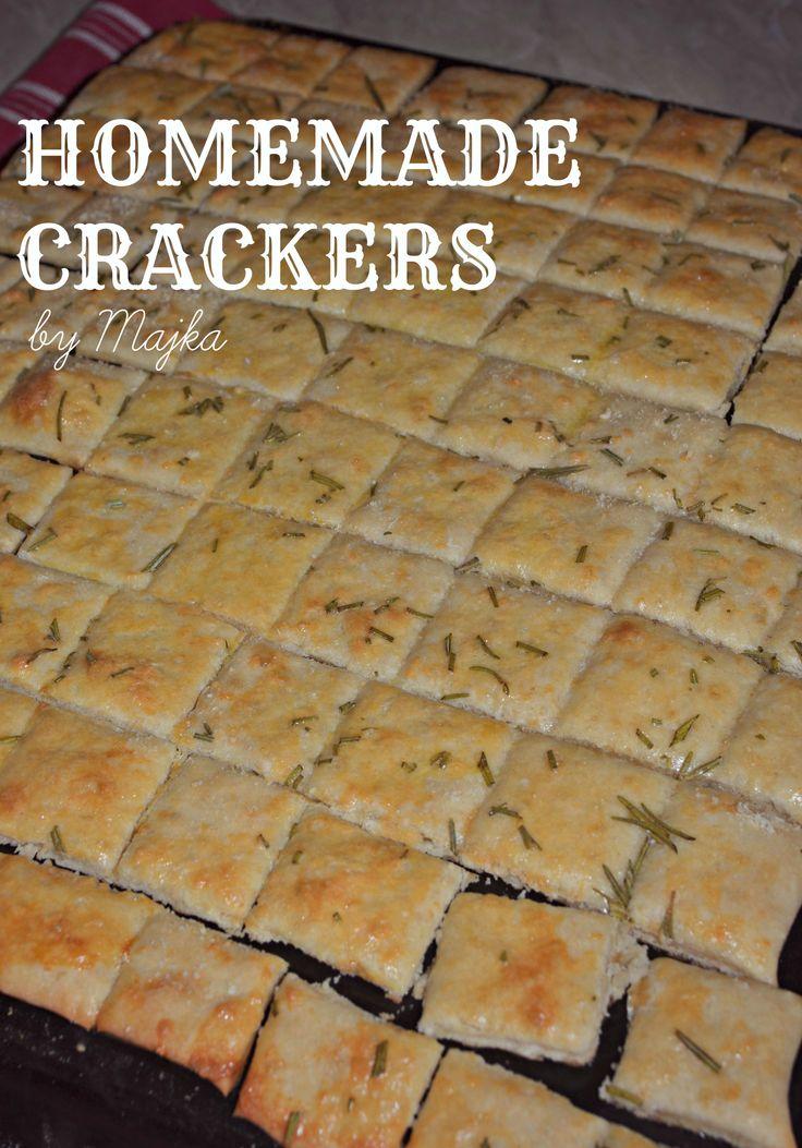Super Easy & Super Tasty Homemade Crackers Find recipe on: http://homemadebymajka.blogspot.sk/2015/08/domace-krekry.html