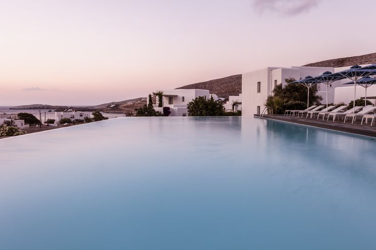 Lost in the pool... #AnemiHotel #Folegandros