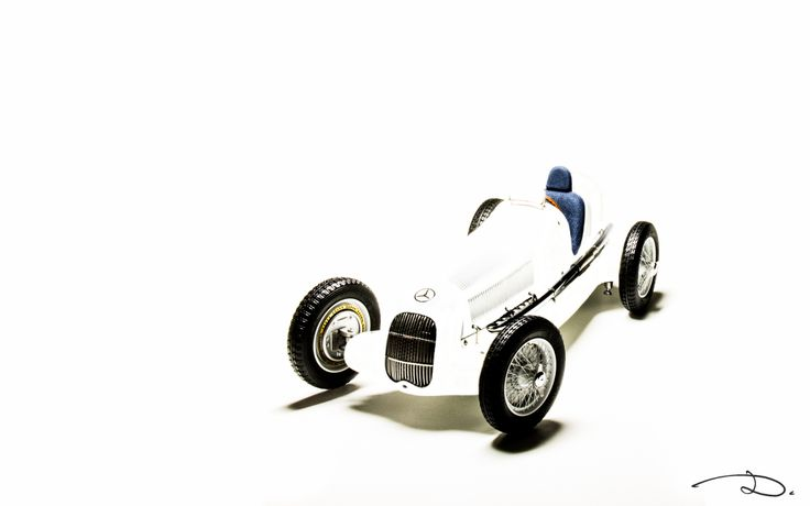 """All white"" - Mercedes-Benz W25 White Myth by CMC in 1:18th scale."
