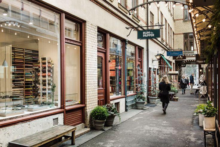 Paper shop Rum för papper in the alley Victoriapassagen in Gothenburg, Sweden. Photo: Hilda Grahnat