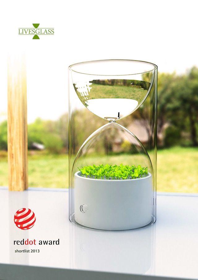 お部屋に観葉植物などのグリーンがあると、リラックスできて少し優しい気持ちになりますよね。 しかし、植物に毎日水 […]