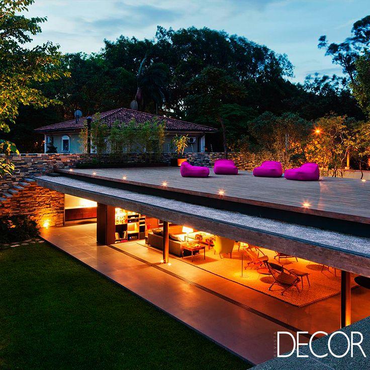 Projeto aproveita dimensão do terreno e destaca o grande jardim. Saiba mais: