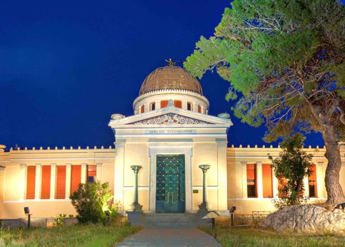 Ρομαντικές ξεναγήσεις στο Εθνικό Αστεροσκοπείο Αθηνών - http://ipop.gr/themata/vgainw/romantikes-xenagisis-sto-ethniko-asteroskopio-athinon/