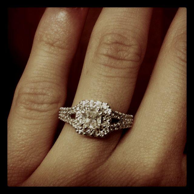 My Beautiful Enagement Ring!