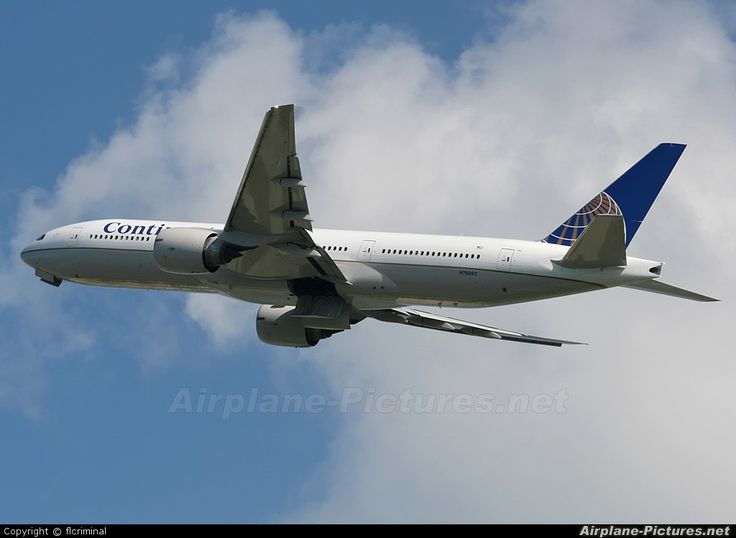 N78002 Continental Airlines Boeing 777-200ER