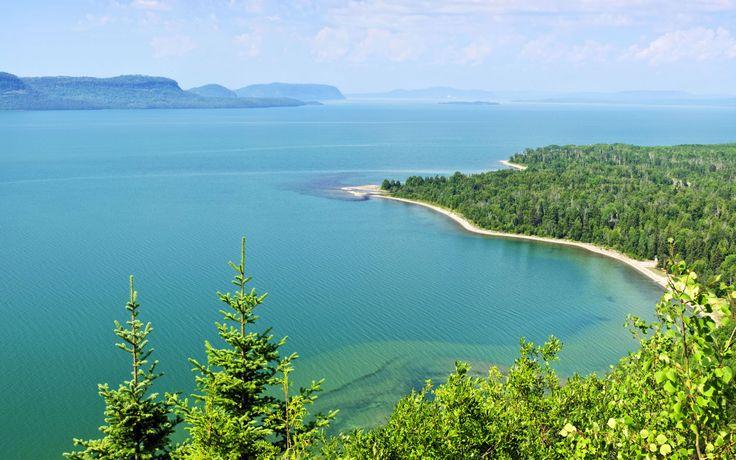 Озеро Верхнее, Северная Америка, самое большое и глубокое.