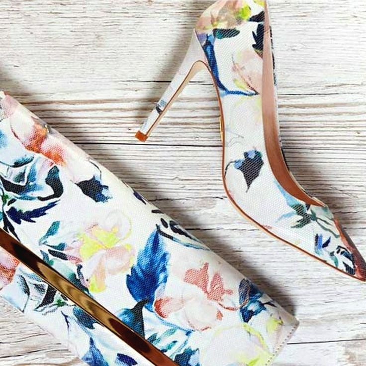 How gorgeous is the Cappi heel and Cappi clutch from Moda in Pelle's New Collection? We are smitten with vibrant pastel hues and floral prints this season. You can purchase the Cappi heel and Cappi Clutch within our Perth store.