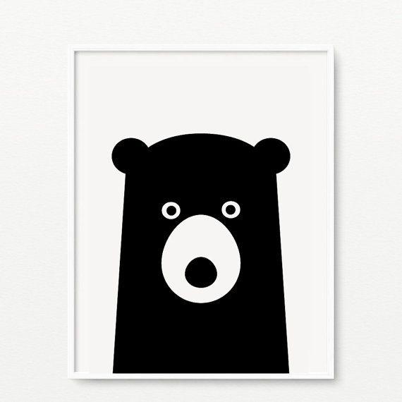 Ciao, siamo Coco e menta!  Arte della parete della scuola materna Bear stampa MÃ SẢN PHẨM: AP-020  TAGLIE DISPONIBILI: 5 x 7, 8 x 10, 11 x 14  CARTA E GLI INCHIOSTRI: Stampata su carta senza acidi giapponese di arte dellacquerello con inchiostri pigmentati e archivistici ed alta qualità, le nostre stampe sono fatte per durare.  IMBALLAGGIO: Per la massima sicurezza, tutte le stampe sono accuratamente posizionate allinterno di una guaina protettiva violoncello, rinforzate con tavole di…