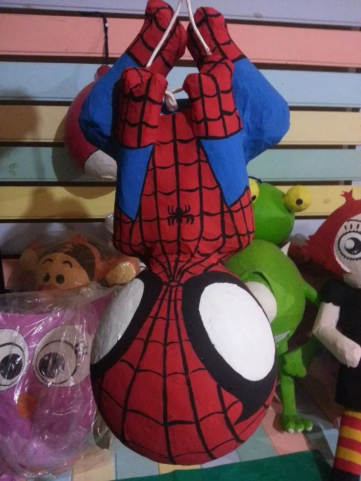 piñatas del hombre araña (spiderman) - Visit to grab an amazing super hero shirt now on sal
