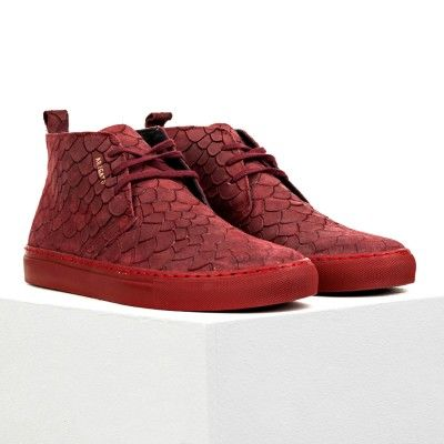 """Red bordeaux """"fish"""" embossed suede chukkas x Axel Arigato"""