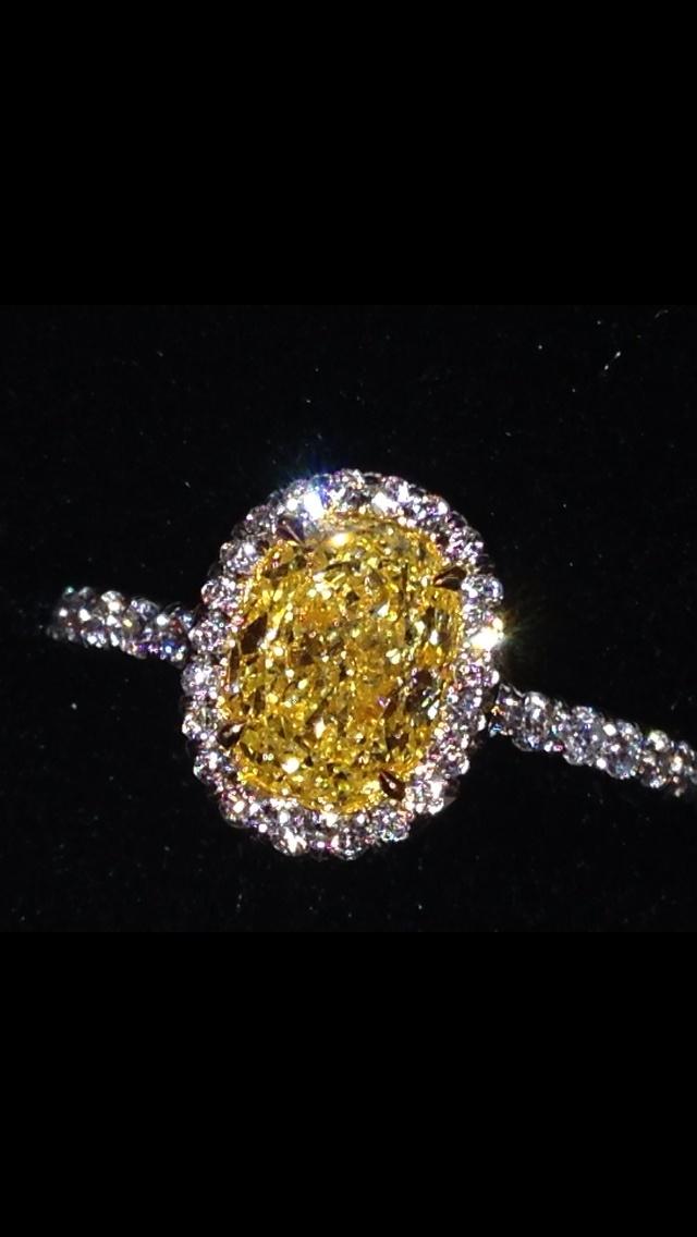 Fancy yellow canary diamond ring. So beautiful!