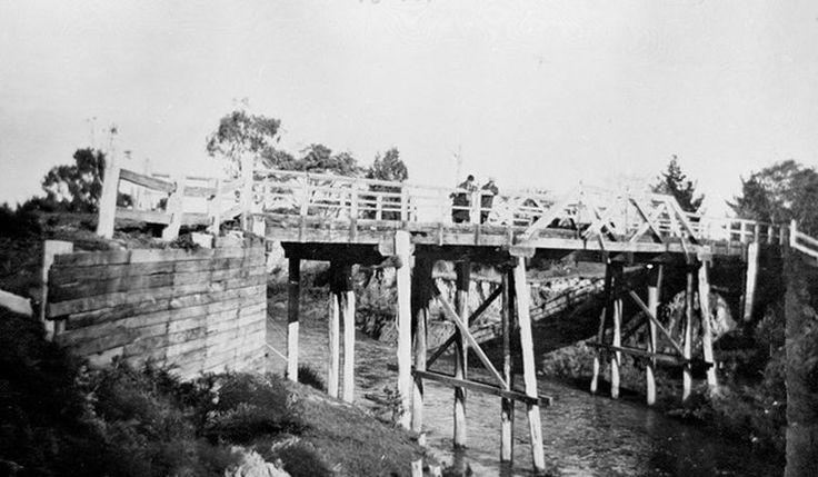 Bridge over Bunyip River between Bunyip and Drouin