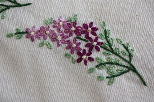 Lilacs .... simple lazy-daisy embroidery !