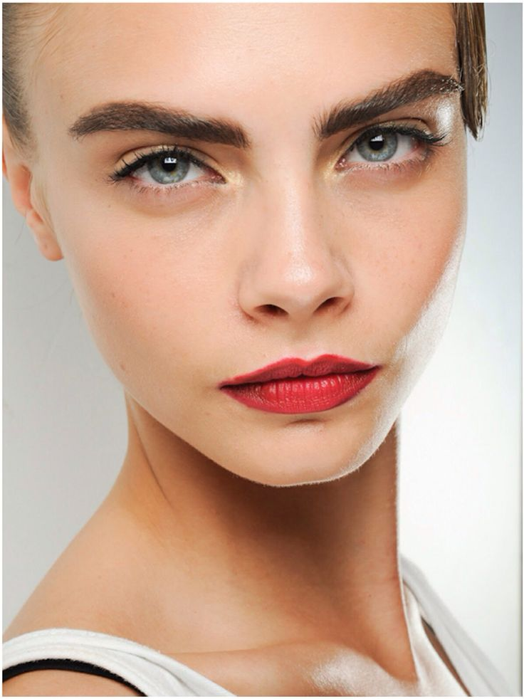 Cara Delevingne Red lips Thick eyebrows | Eyebrows | Pinterest
