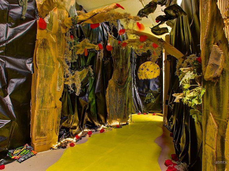 14 Best Haunted House Ideas Images On Pinterest Halloween Stuff