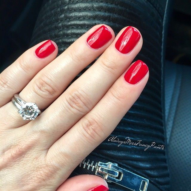 And here they are, the red  TGIF! #manicureoftheday #freshmani #nails