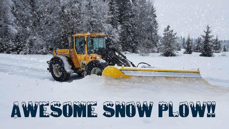 Pyöräteiden aurausta! SUPER Snow plowing! #Lundberg #snowplowing  More about Lundberg-multipurpose machines -> www.lannencenter.com