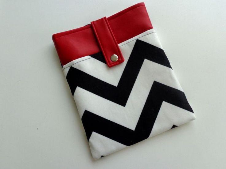 Siyah, beyaz, kırmızı tablet kılıfı Zet.com'da 40 TL