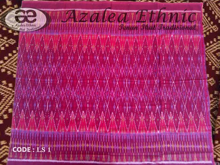 Tenun Ikat Tradisional 100% cotton. Size 220 cm x 110 cm dan 220 cm x 105 cm.  More information PIN : 793E5AFE WA : +6285293331174