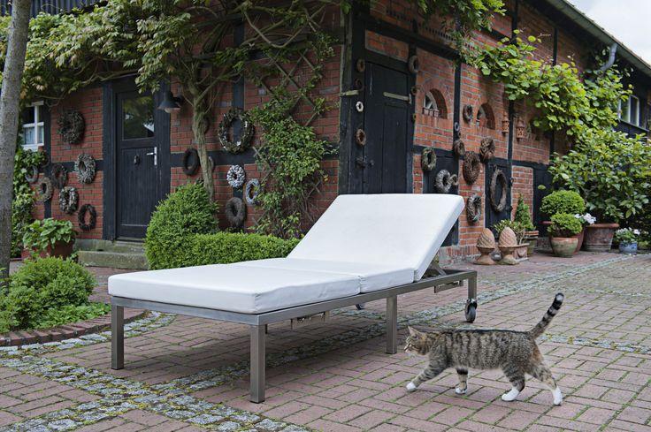 Die Manufaktur Lizzy Heinen fertigt seit 25 Jahren sehr erfolgreich Gartenmöbel aus Edelstahl und im Bauhaus-Design - vom Stuhl bis zur Outdoor-Küche.