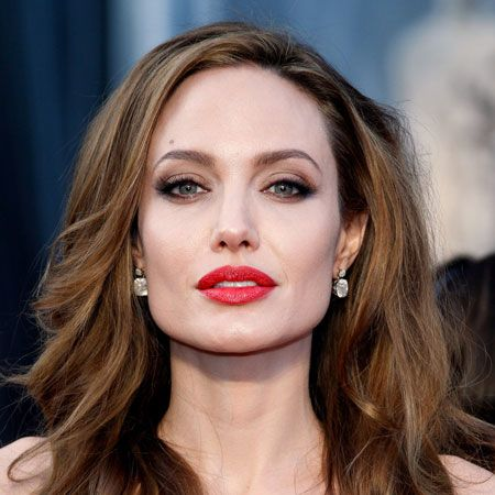 Angelina Jolie wiki, affair, married, Lesbian with age, height