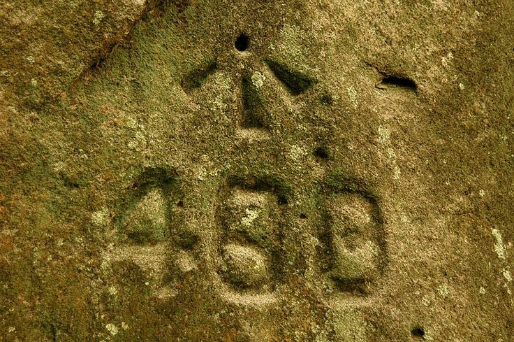 File:Old Northern Rd convict workgang carving.jpg