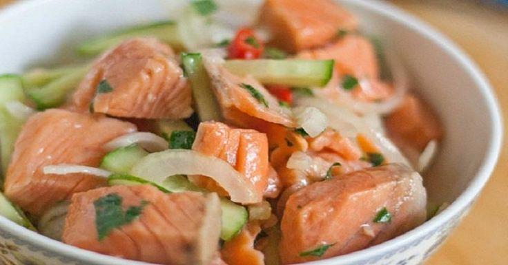 Хе — национальная корейская закуска-салат, которую готовят из овощей с птицей, мясом или рыбой путем маринования. Для приготовления хе подойдет любая не костлявая рыба: форель, кета, горбуша, семга и