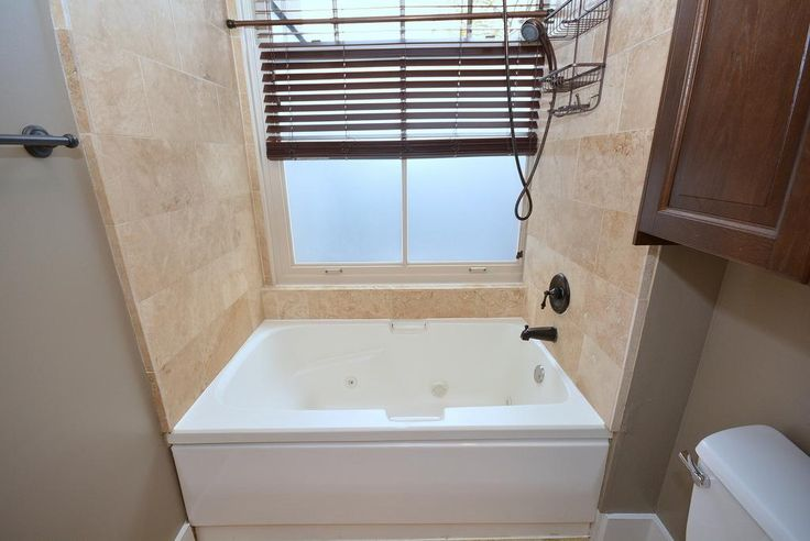 Best 25 Jetted Tub Ideas On Pinterest Bathtub Remodel