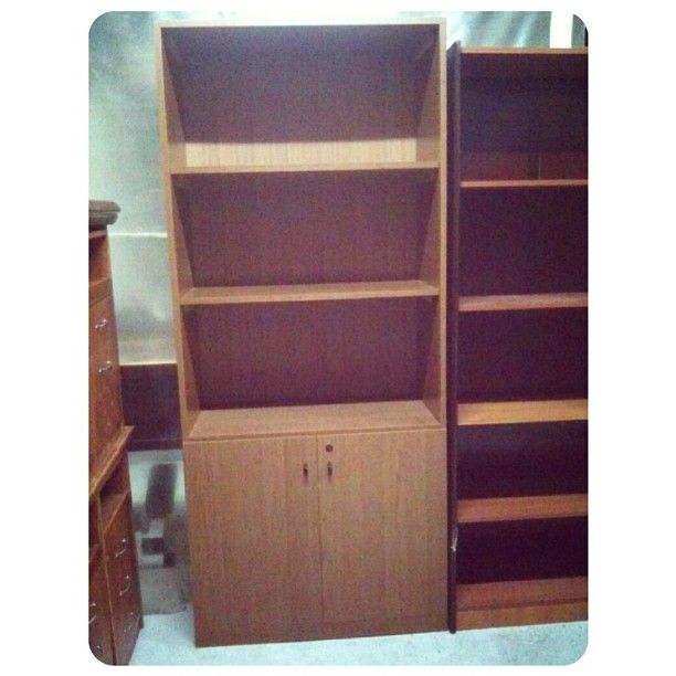 For Sale Kabent File Price 20 Bd للبيع مكتبة ملفات او كتب بحالة ممتازة السعر 20 Bd Tel 33770050 Home Decor Bookcase Shelves