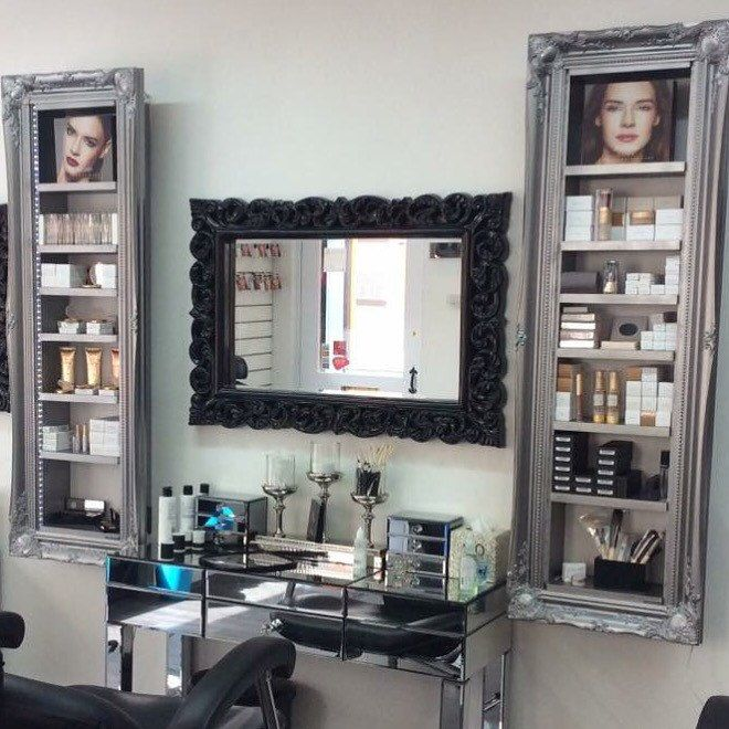 #makeup beauty product display cabinet silver pewter with led lighting to light up your products❤️