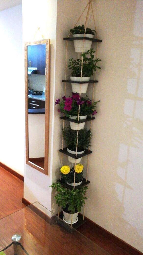 Jardín colgante ideal para interiores, terrazas, balcones o el jardín de tu casa. Puedes sembrar flores o plantas aromáticas. Dale un poco de vida a tu apartamento  Foto enviada por una cliente satisfecha