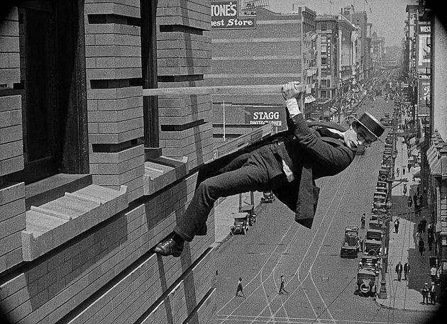 Safety Last (Preferisco l'ascensore!, 1923), Fred C. Newmeyer e Sam Taylor | Garden of Silence - Storie e visioni del cinema muto