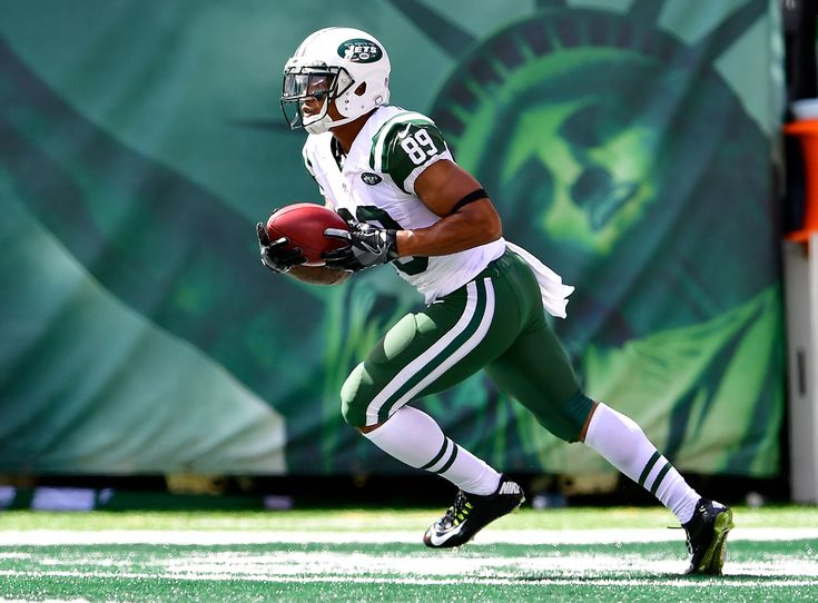 The New York Jets wasted no time in signing players to reserve and future contracts for 2018. Here's a full list of all nine players that are officially un...