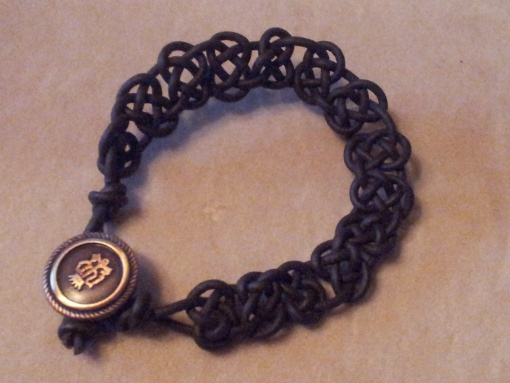best 25 knot bracelets ideas on pinterest diy bracelets. Black Bedroom Furniture Sets. Home Design Ideas