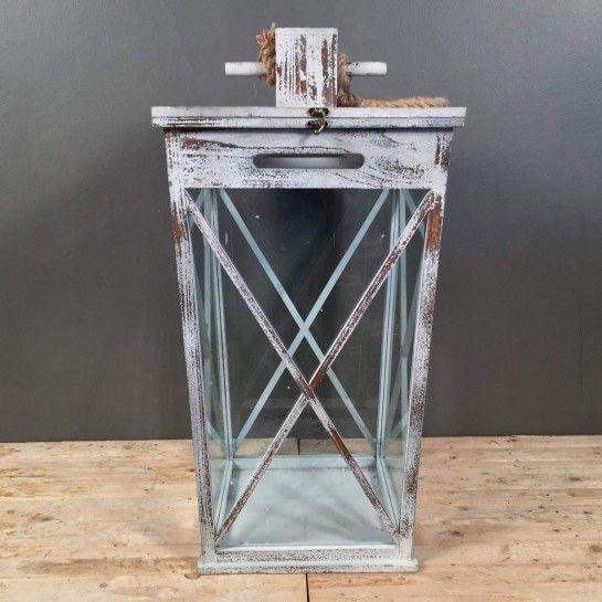 Ξύλινο φανάρι για κερί με ιδιαίτερο σχέδιο σε vintage ύφος με χερούλι σχοινί.http://nedashop.gr/Spiti-Diakosmhsh/fanaria/vintage-ksylino-fanari-xeroyli-sxoini
