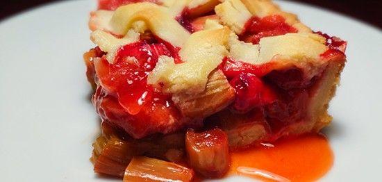 Пирог с ревенем и клубникой (Rhubarb and Strawberry Pie)